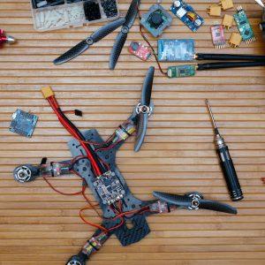 Drones & Παρελκόμενα